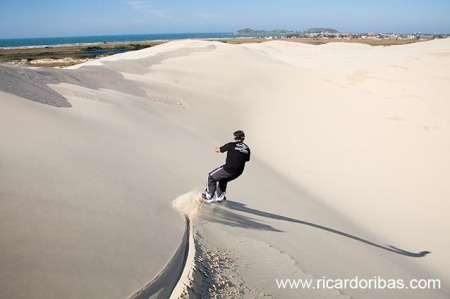 Duda nas dunas da Praia de Itabirubá, em Imbituba.